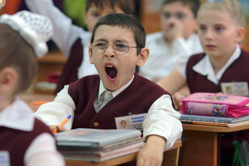 """Россия, город Краснодар. Урок в 3-м """"А"""" классе средней школы №30. Скучно!"""